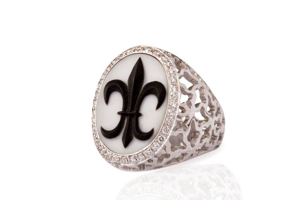white gold diamonds pinky ring